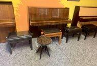 Klavírové židličky